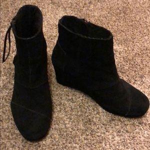 Black toms wedge booties size 7.5